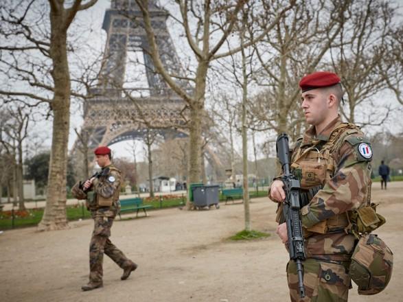 У Франції мобілізують додаткову кількість військових після серії атак