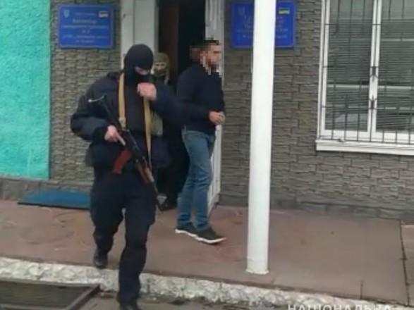 Двом чоловікам повідомлено про підозру в нападі на виборчу комісію на Вінниччині