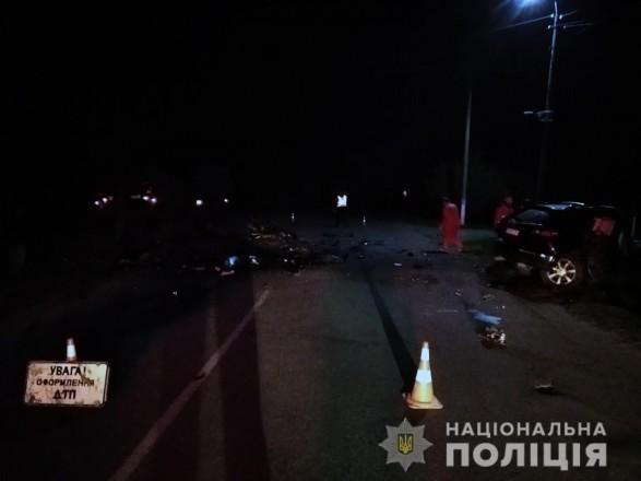 """У зіткненні """"КамАЗу"""" з іномаркою загинуло двоє людей"""