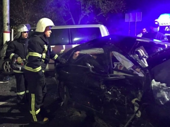 Зіткнення двох іномарок у Кропивницькому - четверо травмованих, один загиблий
