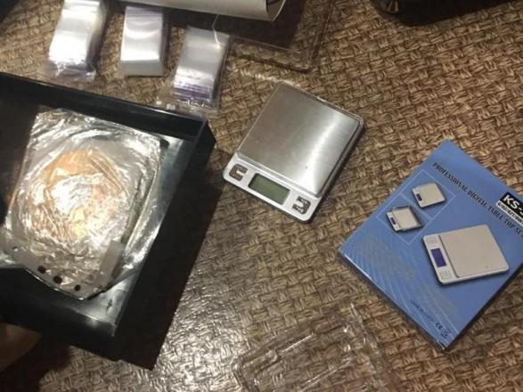 У ході спецоперації в Києві та Харкові затримали дев'ять наркоторгівців