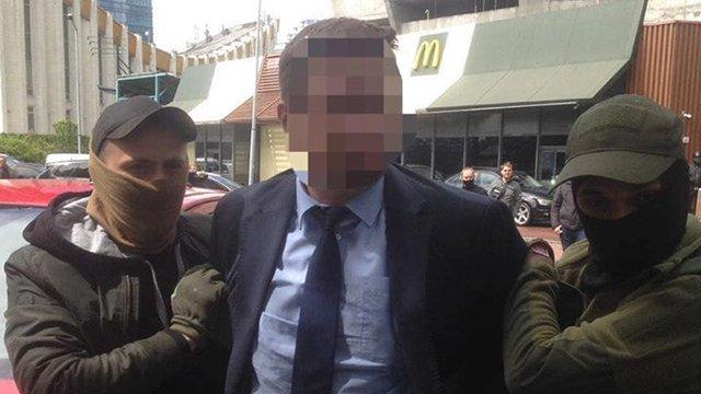 У Києві судитимуть чиновника Міносвіти за хабар у 300 тис. гривень